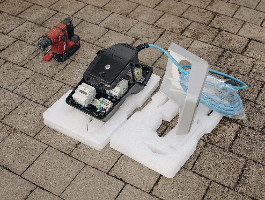 Mit einer 11-kW-Wallbox lässt sich ein Fahrzeug in rund 30 Minuten vollständig laden.
