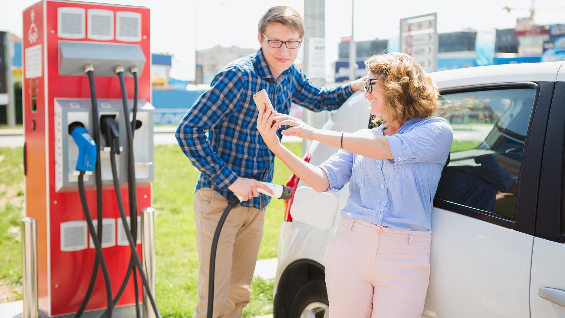 Den richtigen Stromtarif für das E-Auto finden